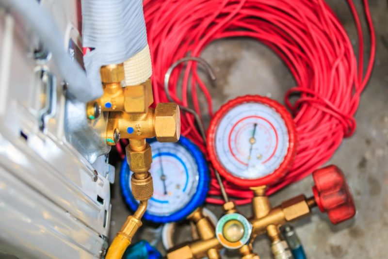 3 Signs That You Have an AC Refrigerant Leak